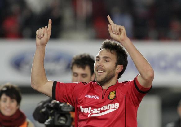 Real Mallorcas Víctor bejubelt sein 1:0 gegen Villarreal.