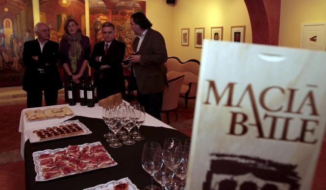 Beliebt bei deutschen Residenten sind die Bodega-Führungen in deutscher Sprache, die Macià Batle seit Jahren gemeinsam mit dem M