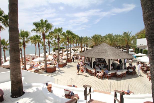 Wie hier in Marbella soll künftig auch der Nikki Beach-Club in Magaluf aussehen.