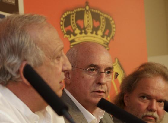 Hier stimmte das Verhältnis noch: Jaume Cladera, Llorenç Serra Ferrer und Utz Claassen (v.l.) bei einer Pressekonferenz im verga