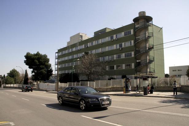 Die Farbe passt schon einmal: Hier zieht die Guardia Civil ein.