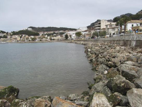 Wo sich bisher nur Felsen befinden, soll auf 300 Metern Sand aufgeschüttet werden.