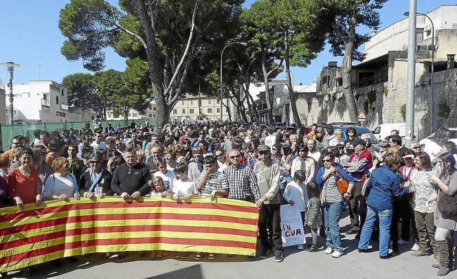 Die Kundgebung in Artà richtete sich nicht nur gegen die Sprachenpolitik der Balearen-Regierung, sondern auch gegen das vorläufi
