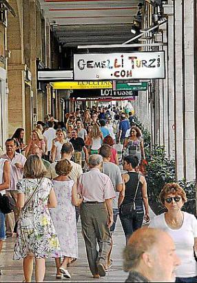 Ab April dürfen alle Geschäfte in Palmas Altstadt auch an Sonn- und Feiertagen öffnen.