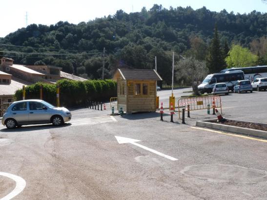 Der Parkplatz des Klosters Lluc ist seit April kostenpflichtig.