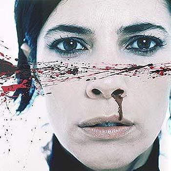 Die spanische Schauspielerin Maribel Verdú unterstützte im Jahre 2009 eine offizielle Kampagne der Regierung im Kampf gegen häus