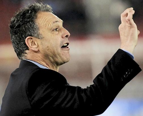 Trainer Joaquín Caparrós konnte mit dem Spiel seiner Mannschaft nicht ganz zufrieden sein.