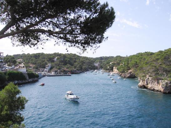 Cala Figuera hat seinen natürlichen Charme bis heute bewahrt und ist deshalb bei Urlaubern als Ausflugsziel besonders beliebt.
