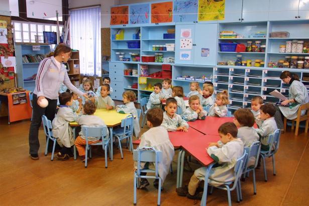 Vom kommenden Schuljahr an sollen Eltern wählen dürfen, ob ihre Kinder Lesen und Schreiben auf Castellano oder Catalán lernen.