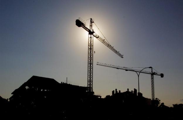 Baukräne prägen Mallorca seit Jahrzehnten.