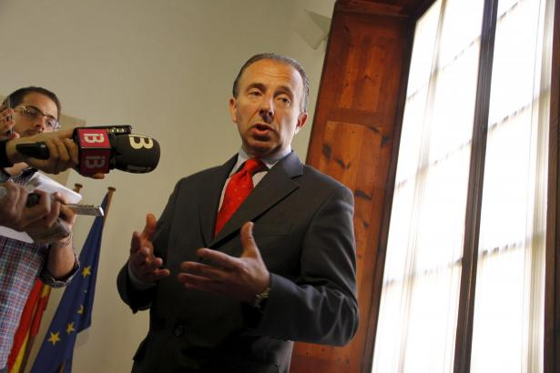 Tourismusminister Carlos Delgado nimmt Stellung zu den Vorwürfen.