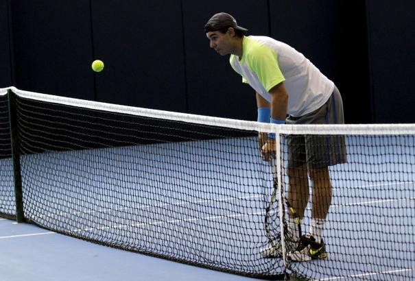 Blaue Hartplätze lässt sich Rafael Nadal noch gefallen, mit blauer Asche hat er ein Problem.
