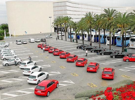 Der Präsentationsflotte des neuen Audi A3 am Flughafen von Palma. Das Modell aus Ingolstadt kommt im August in den Handel.
