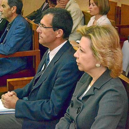 Maria Antònia Munar und Miquel Nadal auf der Anklagebank im Gericht in Palma.