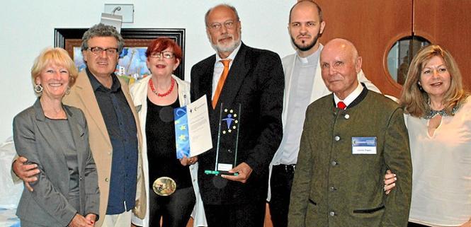 Gruppenbild der Europäer (v.l.): Kate Mentink, Waldemar Kondratowski, Margaret Commandeur, Pastor Klaus-Peter Weinhold, Raúl Cor