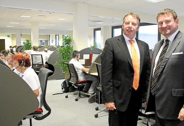 Markus Frengel (l.) und Markus Geisert, Vorstandsvorsitzender und Geschäftsführer von CCES24, im Großraumbüro in Palma.