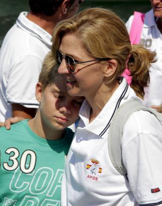 Königstochter Cristina mit ihrem Sohn im Mallorca-Urlaub 2011.