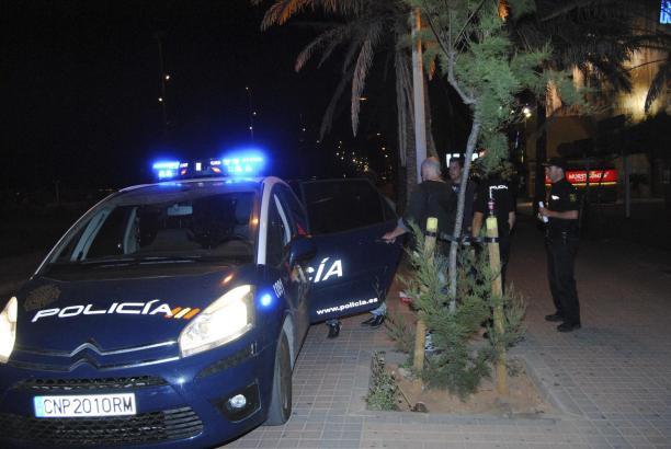 Der Polizei gelang nach kurzer Fahndung die Festnahme des Deutschen.