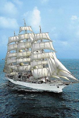 Die Sea Cloud wurde 1931 vom Stapel gelassen und 1979 komplett umgebaut. 2011 wurde sie letztmals runderneuert. Heute verfügt si
