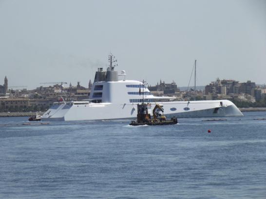 "Megayacht ""A"" am Dienstag in Palma."