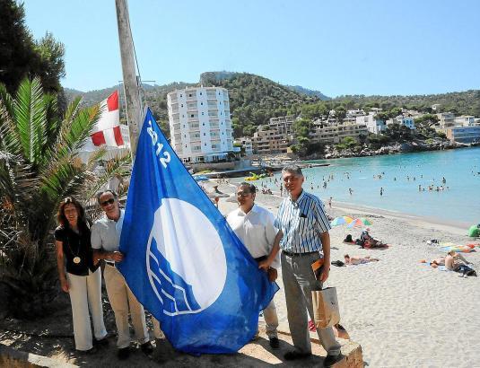 Dieses Jahr ging es bei Flaggenvergabe nicht überall so reibungslos zu wie hier im Juni in Sant Elm.