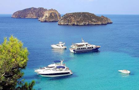 Die Malgrats-Inseln dominieren die Küste von Santa Ponça.