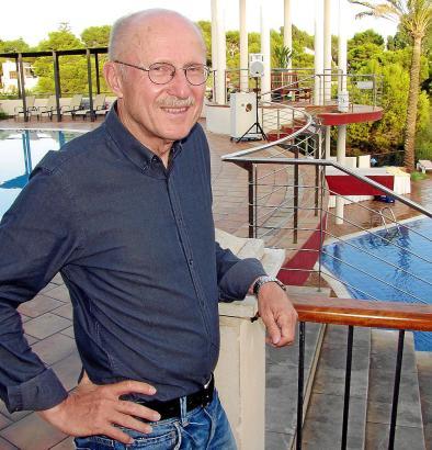Willi Lemke am Montag im Robinson-Club Cala Serena.