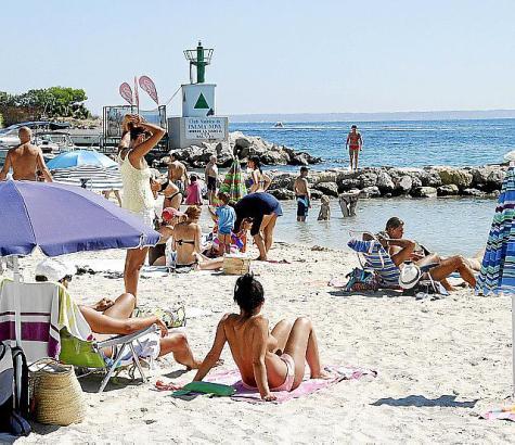 Das sommerlich warme Wetter lockte im September wie auch im ersten Oktober-Drittel die Badegäste zahlreich an den Strand.