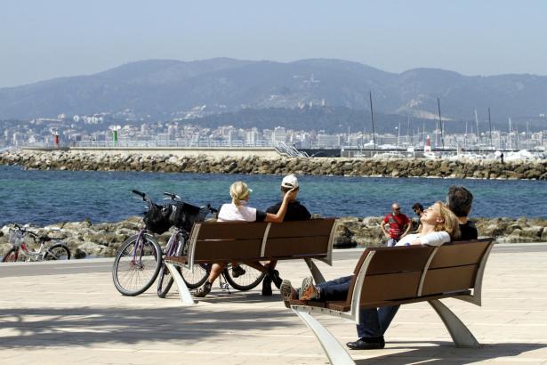 Ein Wetter, ideal zum Sonnen, Spazieren, Sport treiben, im Freien sein.