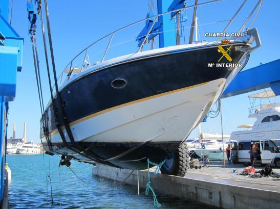 Die Yacht wies bei der Bergung starke Beschädigungen auf.
