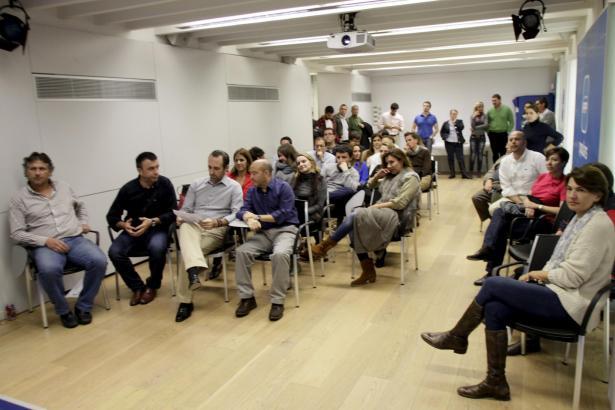 Auch auf Mallorca wurde die Katalonien-Wahl gespannt verfolgt. Ministerprásident José Ramón Bauzá am Sitz der PP in Palma.