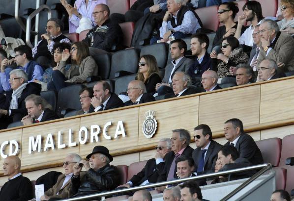 Der Vorstand auf der Ehrentribüne von Real Mallorca.