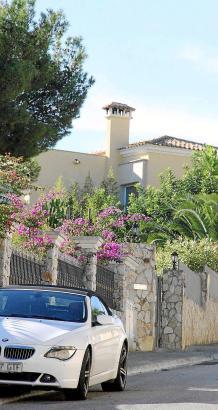 In der Urbanisation direkt am Golfplatz von Bendinat kosten Villen Millionen.