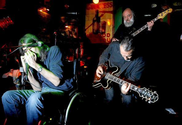 Victor Uris und Band.