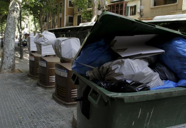 Mülltonnen halten wieder Einzug in Palmas Altstadt.