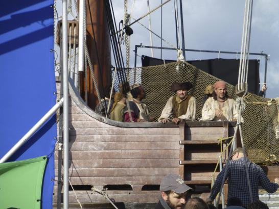 """""""Piraten"""" an Bord der """"La Pepa""""."""