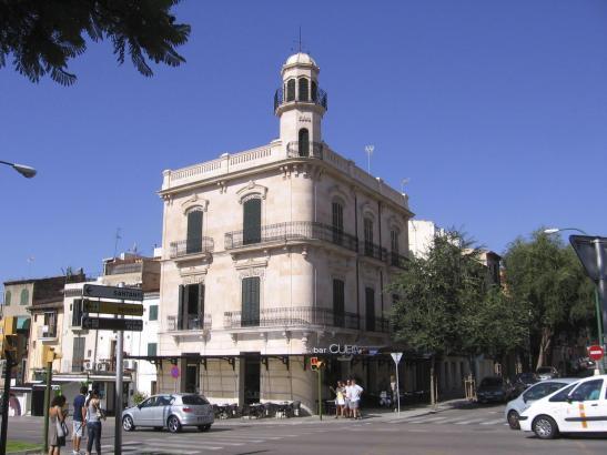 "Das ""Cuba"" an der Ecke Carrer Sant Magi und Avinguda Argentina, gegenüber dem Sa-Faixina-Stadtpark in Palma."