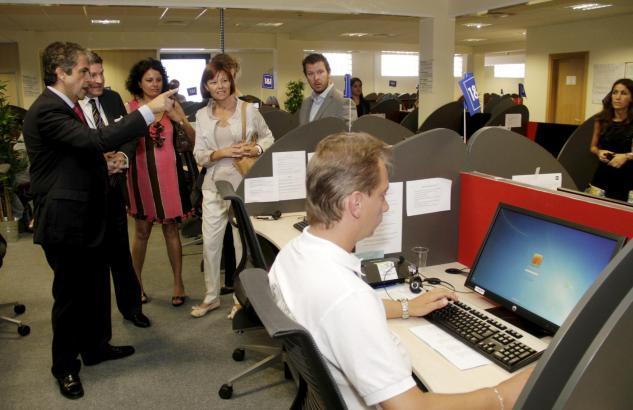 Zur offiziellen Präsentation des CCES24-Zentrale im Juni 2012 erschien auch der balearische Bildungsminister Rafael Bosch.