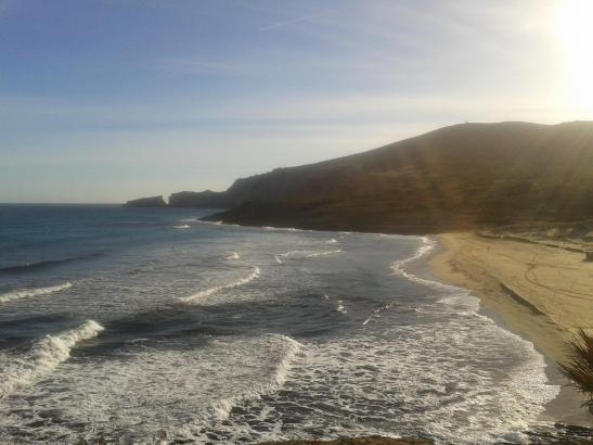Sonne und Hochnebelfelder: So zeigte sich die Cala Mesquida am Sonntag.