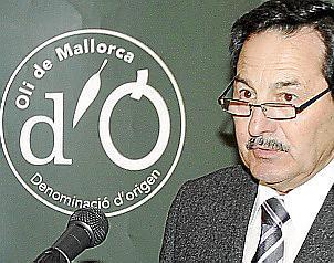 DO-Präsident Josep Oliver bei der Präsentation der Produktionszahlen.