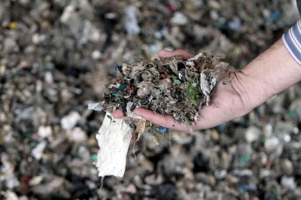 Die bisherigen Müllimporte enthielten unter anderem zerkleinerte Plastikabfälle.