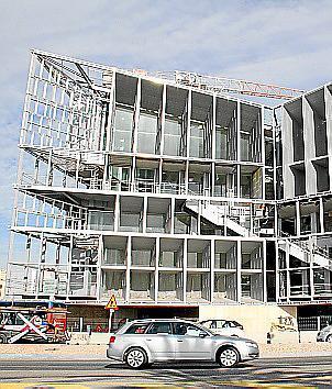 Seit Juli 2012 ruhen die Arbeiten am Kongresspalast. Bisher investiert: 108,6 Millionen Euro