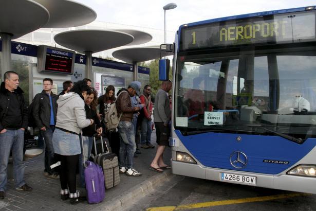 Der Bus zum Flug wird für Touristen und Balearen-Bewohner ohne Bürgerkarte (tarjeta ciudadana) teurer.
