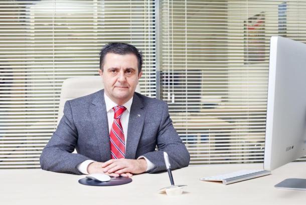 Aurelio Vázquez.