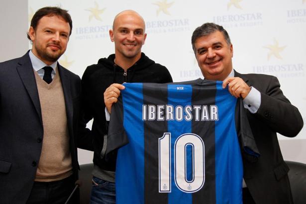 Giorgio Rici (l.), kaufmännischer Leiter der Marke Inter Mailand mit seinem Pendant von Iberotsar, Francisco Martínez (r.).