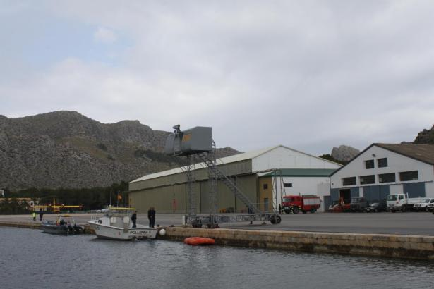 Die Militärbasis samt Hangar in Port de Pollença.