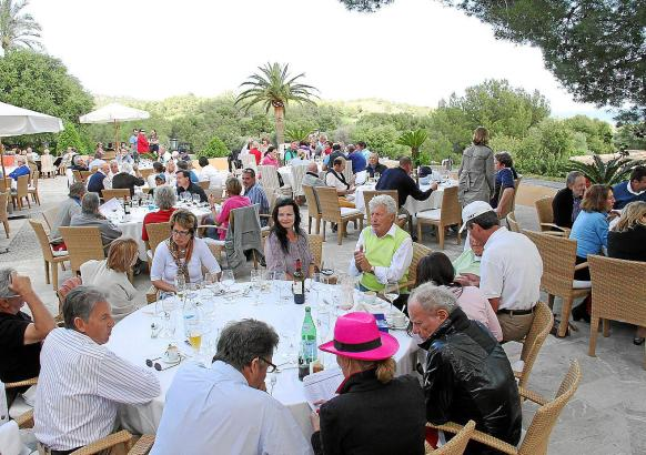 Wie schon im vergangenen Jahr wird der Event auf der Terrasse des Clubhauses von Alcanada harmonisch ausklingen.