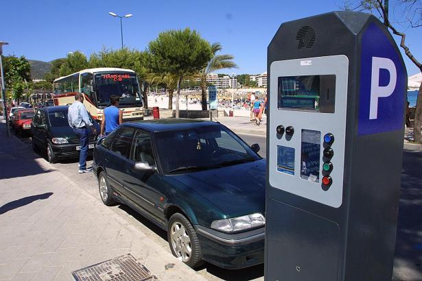 Die Parkautomaten in den Küstengemeinden von Calvià wollen wieder gefüttert werden.