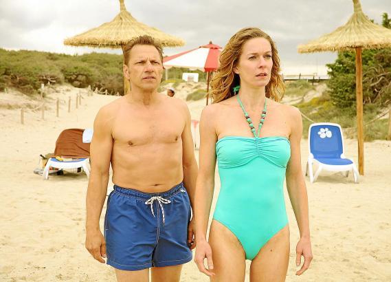 Richy Müller (als Polizist Tilo) und Lisa Martinek (als Journalistin Mona) haben laut Drehbuch mit Eheproblemen zu kämpfen.