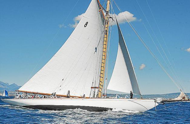 Ein Boot der Lateinsegler-Klasse bei der Palma Vela im vergangenen Jahr.